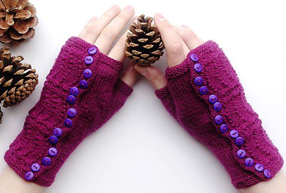 Spatterdash wristwarmers: Knitty Deep Fall 2011