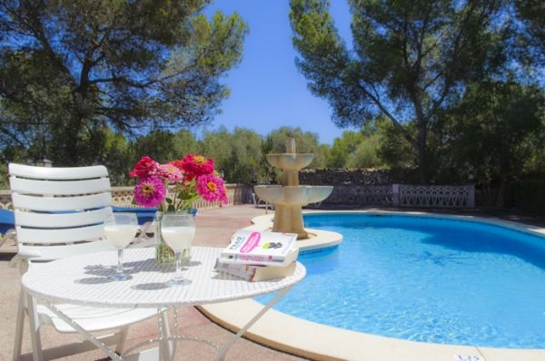 house-rotes-swimming pool