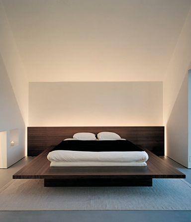 John Pawson   Fabien Baron's home in Sweden schick unter Dachschrägen; nur an den Bettkanten gibt es viele blaue Flecken :-(