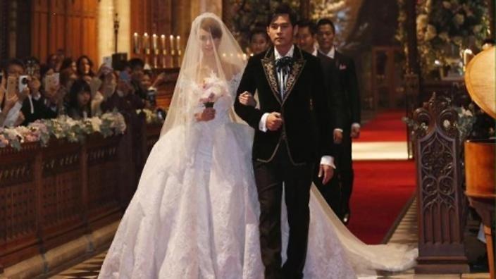 Jay Chou marries Hannah Quinlivan in England