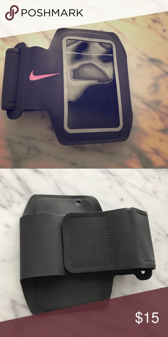 Nike armband Great workout accessory. Fits iPhone 6 and 7, possibly a 5 as well. Gently used but in great condition. Nike Accessories Phone Cases
