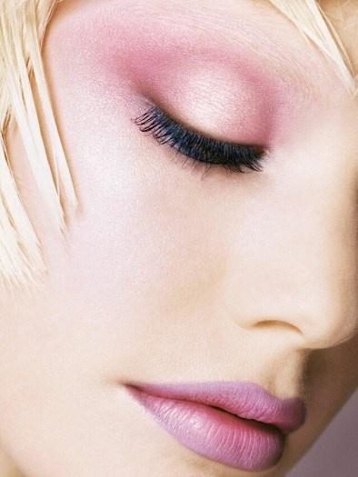 Eye Makeup In Winter Season