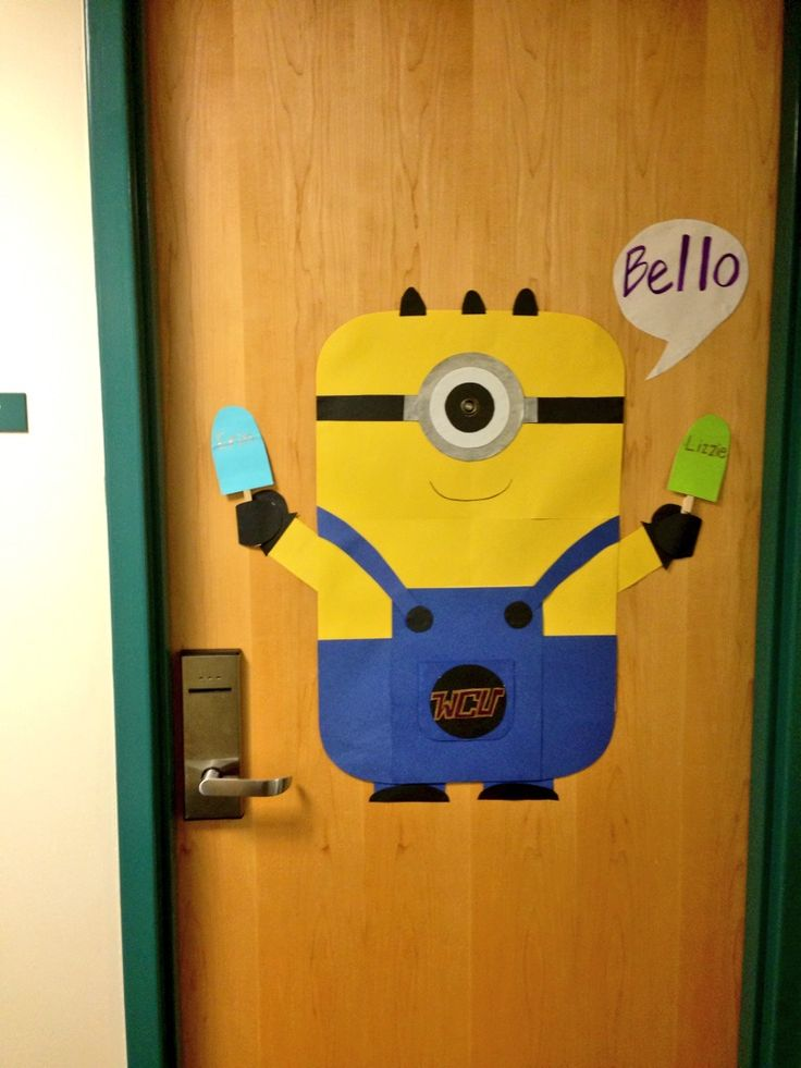 Minion dorm door decoration crafty pinterest dorm for Door design accessories