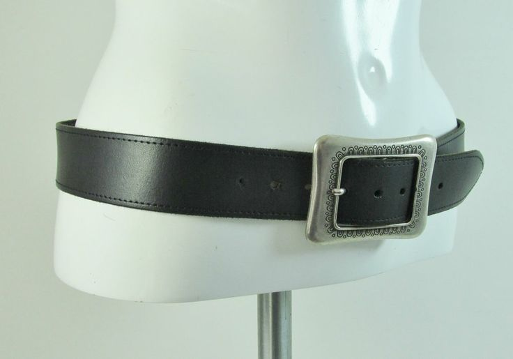 Vintage black leather belt with feature large buckle M/L R12790