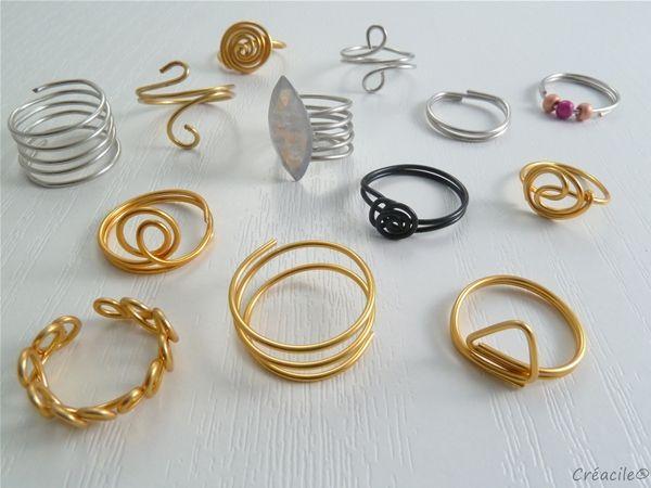Créacile vous propose des bijoux artisanaux créatifs, modernes et colorés composés d'aluminium.