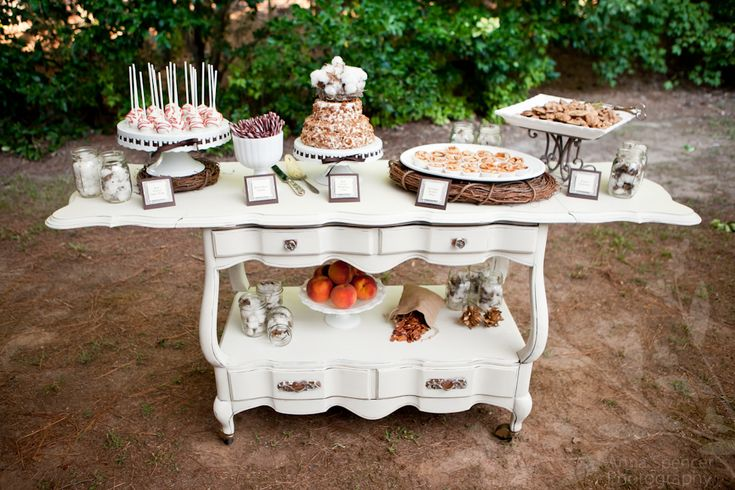 cotton desserts table | Winter cotton wedding | Nozze di cotone http://theproposalwedding.blogspot.it/ #cotton #wedding #winter #matrimonio #cotone #inverno