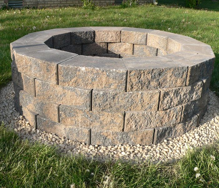 DIY fire pit.. we are defiantly doing this at some point