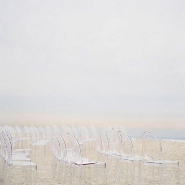 • CEREMONY • A beautifully natural beach ceremony • Feeling calm already • Image via @the_lane • #thelane #ceremony #weddingstyling #wedding #oneday  #Regram via @onedaybridal