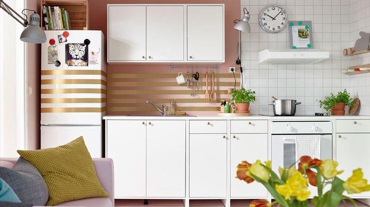 Czym byłaby pięknie zaprojektowana kuchnia bez praktycznych akcesoriów kuchennych? Na pewno mniej smaczna! W IKEA uwielbiamy zdrowy styl życia i z chęcią dzielimy się pomysłami na przytulną przestrzeń. Dostrzegamy ją nie tylko w doskonałych meblach, ale i detalach. Wśród aromatycznych potraw, świeży ...