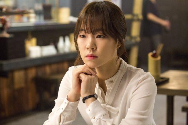 "[Photos] Added new Han Ye-ri stills for the upcoming Korean movie ""A Dramatic Night"" @ HanCinema :: The Korean Movie and Drama Database"