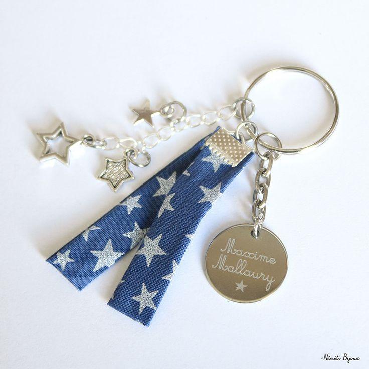 Porte clés gravé personnalisé - tissu bleu motif étoile argent - gravure prénom message - cadeau unique : Porte clés par nemeti
