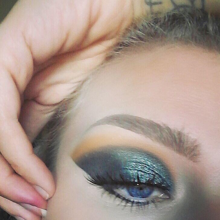 @anastasiabeverlyhills dipbrow in blonde  @tartecosmetics Shape tape in light  @morphebrushes & @jaclynhill pallete  @kokolashes style Goddess  #makeupaddict #makeupjunkie #makeupbyme #motd #makeup  #tarte #morphe #morphebabe #morphegirl #teammorphe #jaclynhill #jaclynhillpalette #kokolashes #abh #abhbrows  #anastasiabeverlyhills #crueltyfree #crueltyfreemakeup #hudabeauty #vegas_nay #mua #muafollow #beautyblogger  #universodamaquiagem_oficial  #instabeauty #instamakeup #wakeup2slay…