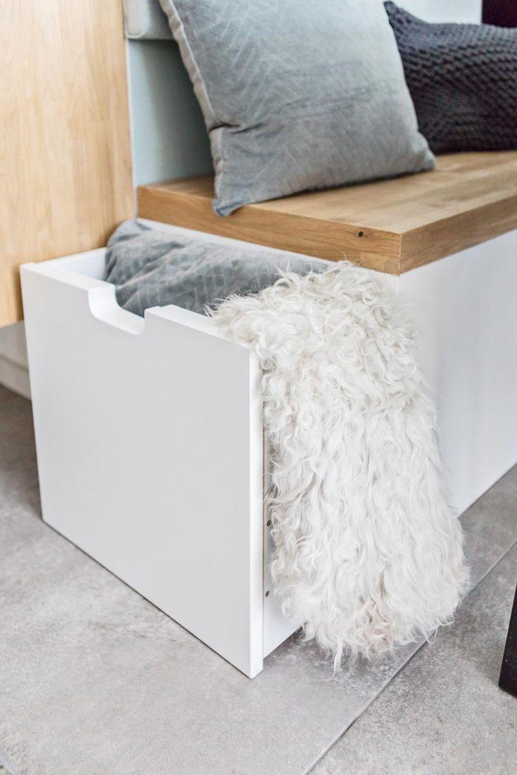 Wil je eens wat anders in je eethoek? Een opbergbank is een leuk alternatief voor gewone stoelen. Hij ziet er gezellig uit, maar je kan er ook nog eens een hoop rommel in kwijt. Hier lees je hoe je 'm maakt!