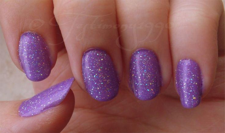 ber ideen zu lila nagellack auf pinterest lila n gel metallischer nagellack und. Black Bedroom Furniture Sets. Home Design Ideas