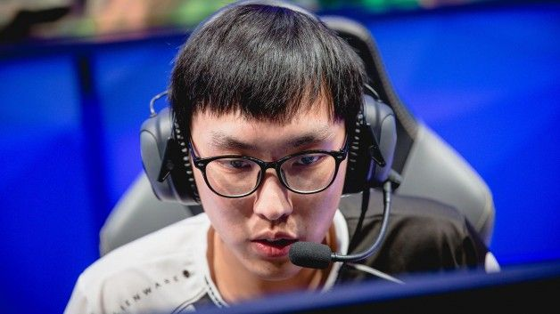 Preview: Cloud9 and Team Liquid's impending match at the NA LCS 2018 https://www.sportsgrid.com/esportsnetwork/starve-out-or-drag-out-cloud9-and-team-liquids-rise-and-impending-clash-in-the-na-lcs/ #games #LeagueOfLegends #esports #lol #riot #Worlds #gaming