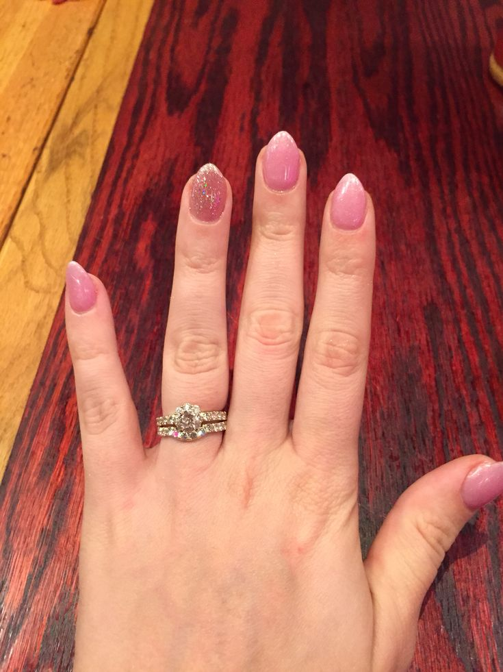 Short almond nails | Makeup/Nails | Pinterest