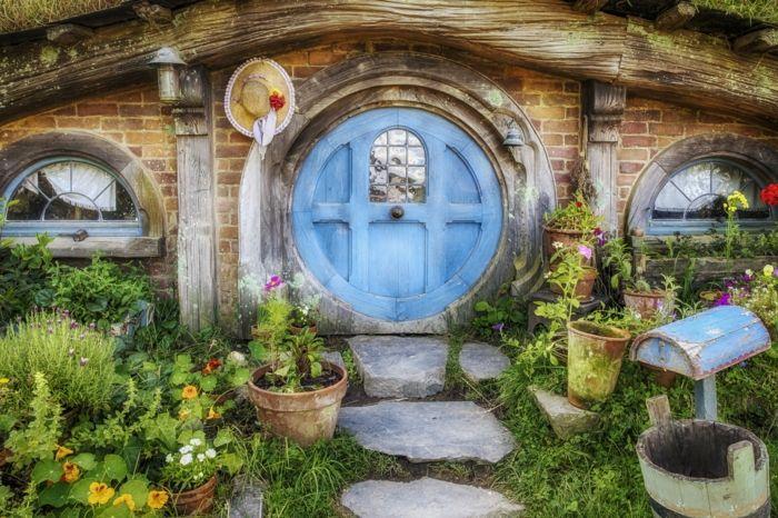 gartenhaus selber bauen holzhaus runde tür hobbithaus                                                                                                                                                                                 Mehr
