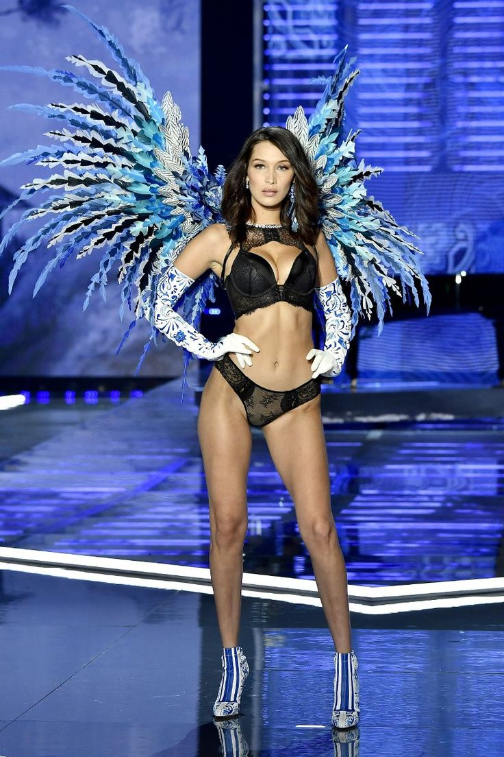The Craziest Looks from the Victoria's Secret Fashion Show http://ift.tt/2hOh5zN
