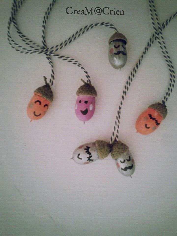 Made by me... blije eikels ( ketting )