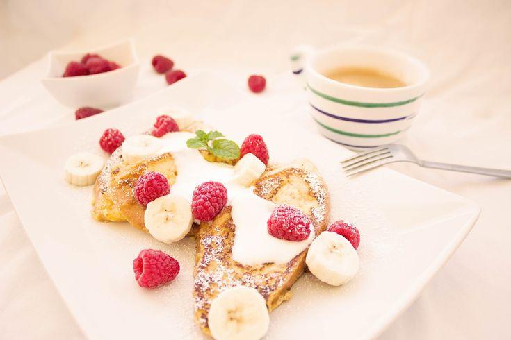 Paahtoleipä, Marjoja, Aamiainen, Banaani, Kahvi, Syödä
