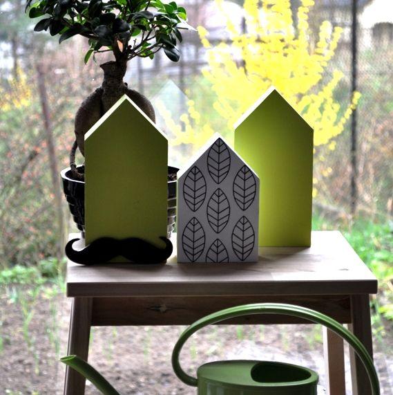 Zestaw wiosenny drewnianych domków w stylu skandynawskim. Do nabycia na daWanda, dekoracjezdrewna@op.pl