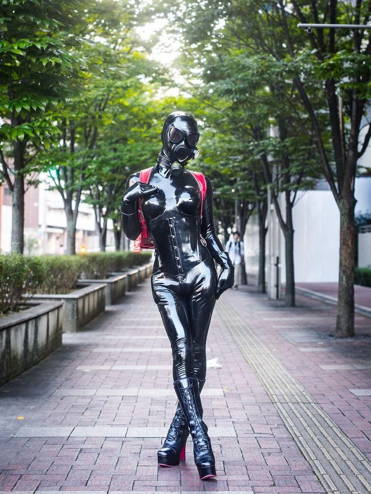 black-rubber-girls-hannah-spearritt-sextape