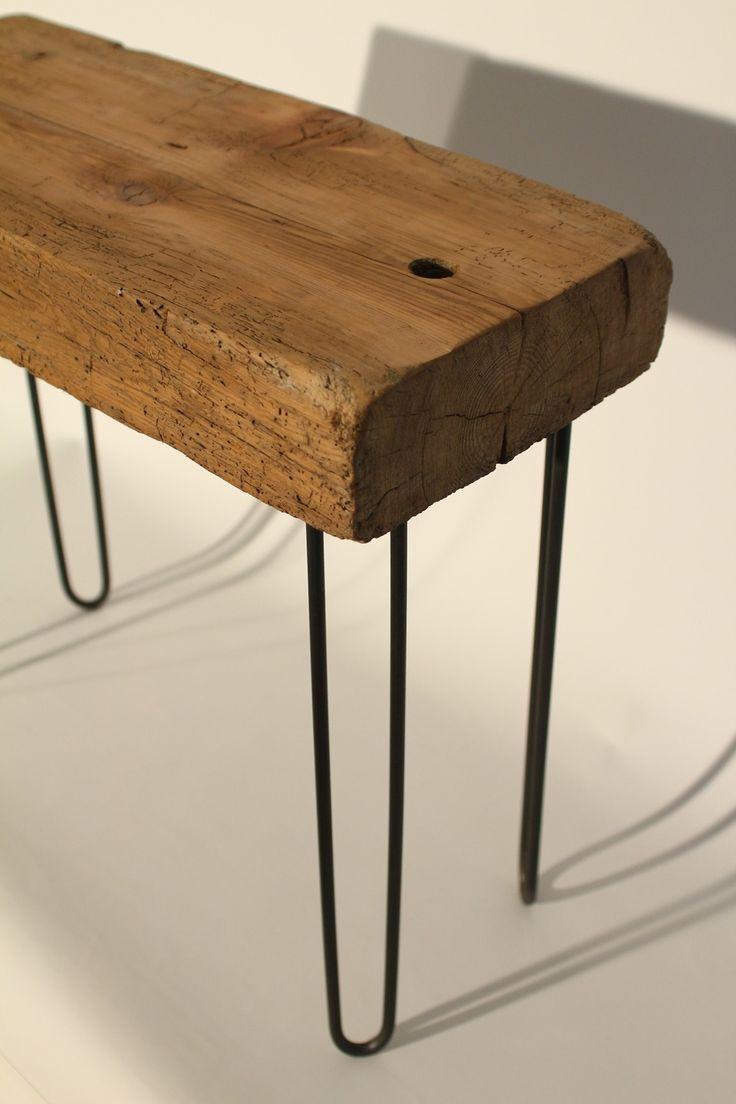 Petite table basse en bois de r cup ration avec pieds en for Table basse recuperation