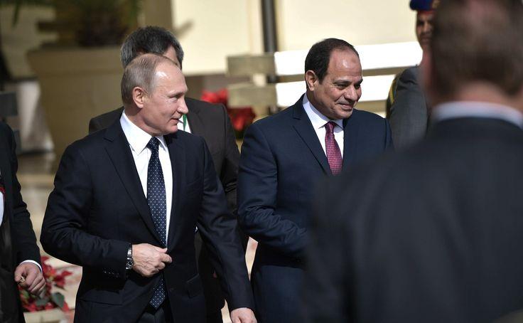 В рамках рабочего визита в Египет Владимир Путин встретился с Президентом Арабской Республики Египет Абдельфаттахом Сиси.