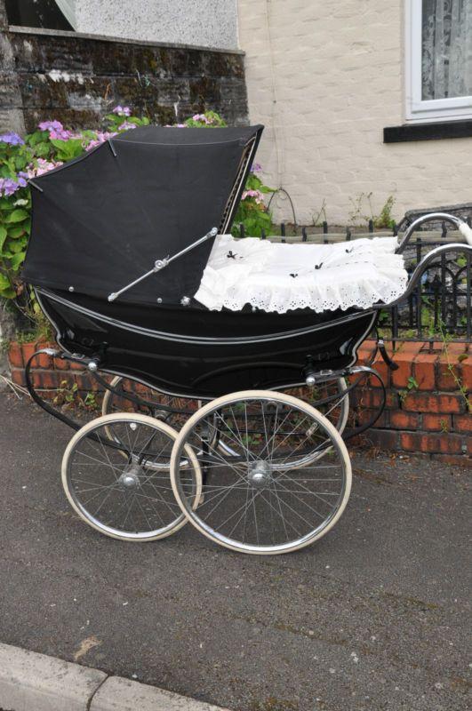 131 besten kinderwagen puppenwagen bilder auf pinterest kinderwagen puppenwagen und babybetten. Black Bedroom Furniture Sets. Home Design Ideas