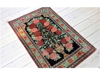 Persisk handknutenGhom med 100% natursilke, storlek ca 83 x 133…