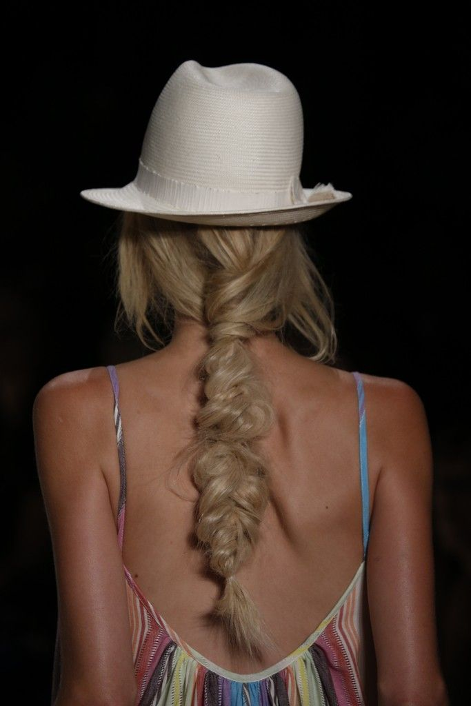 Beauty at Mara Hoffman RTW Spring 2015 [Photo by George Chinsee]