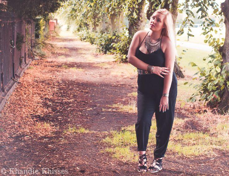Lily plus size curve model. fashion. natural light portrait photo shoot. Copyright Khandie Photography www.KhandiePhotography.com