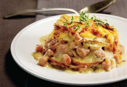 Gratin de pommes de terre au jambon. Parfait pour apprêter un reste de jambon.