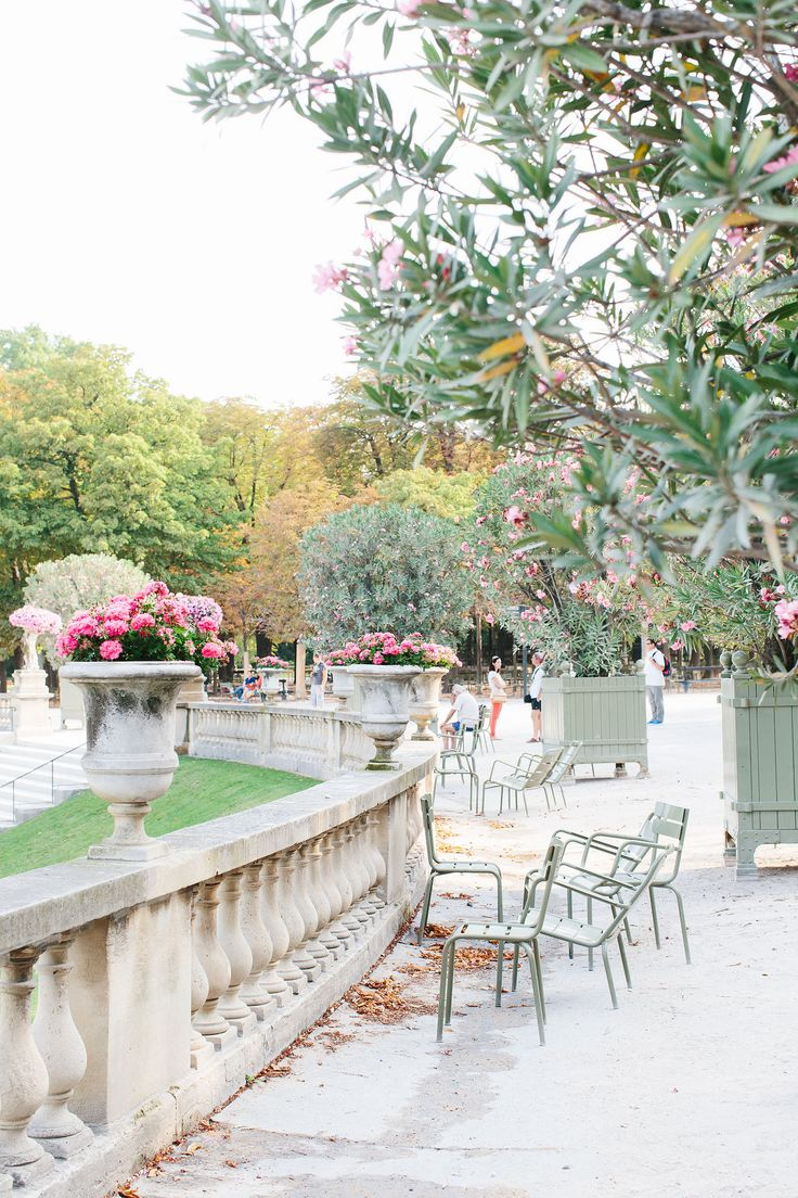 Jardin du Luxembourg | Paris, France  Wasn't this the place where Marius first saw Cosette?