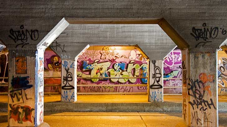 The Krog Street Tunnel is a tunnel in Atlanta known for its street art. The tunnel links the Cabbagetown and Inman Park neighborhoods // localadventurer.com