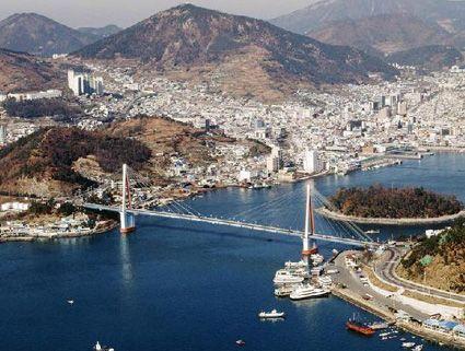 Dolsan Bridge, Yeosu.