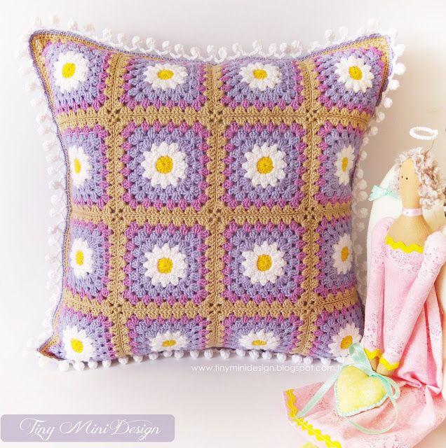 Tığ İşi Papatya Motifli Kırlent-Crochet Daisy Cushion