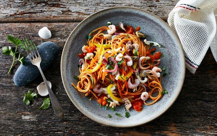 En supernem pastaret med alt godt fra havet i en cremet tomatsauce.