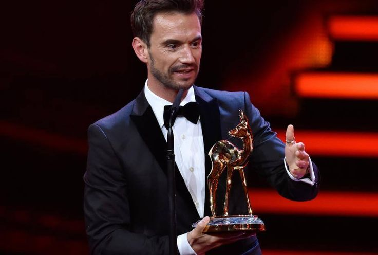Florian Silbereisen macht seiner Helene Fischer eine süße Liebeserklärung auf der Bühne der Bambi-Verleihung.