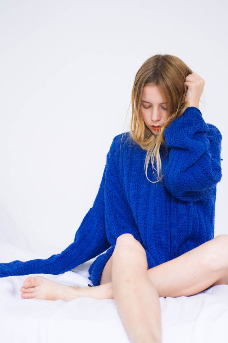 Danish blogger Marie Jensen of Nemesis, babe blog wearing blue knit jumper.   www.nemesisbabe.dk