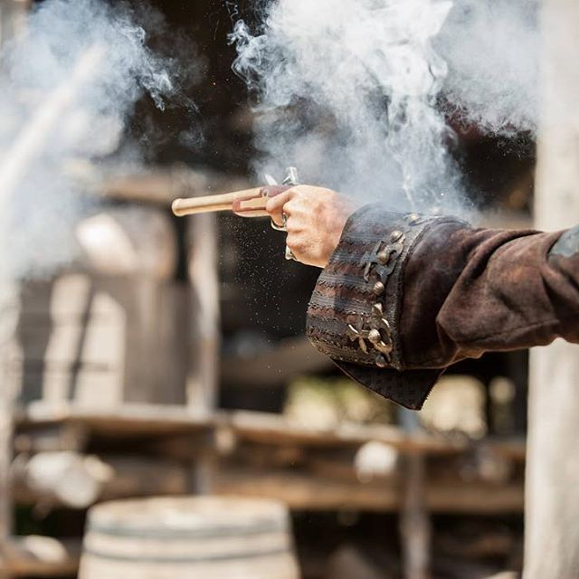 S3 E305. When the smoke clears, Edward Teach will still be standing. #BlackSails