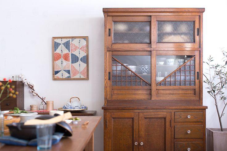 昭和レトロな家具で作る、スローな時間が流れるダイニング