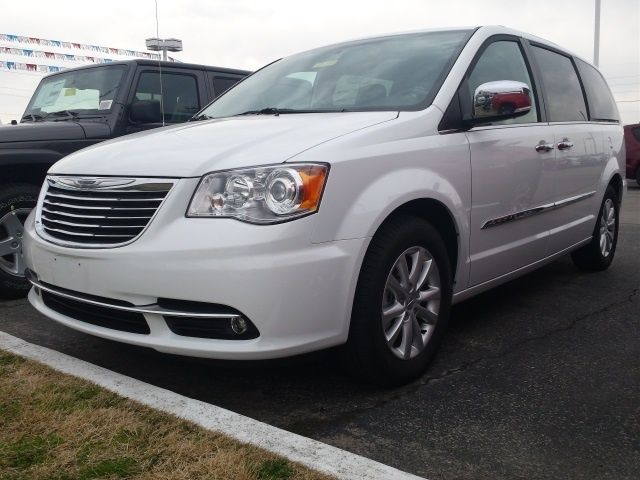 2016 Chrysler Town Country Limited Platinum 27 961 Dexter Mo