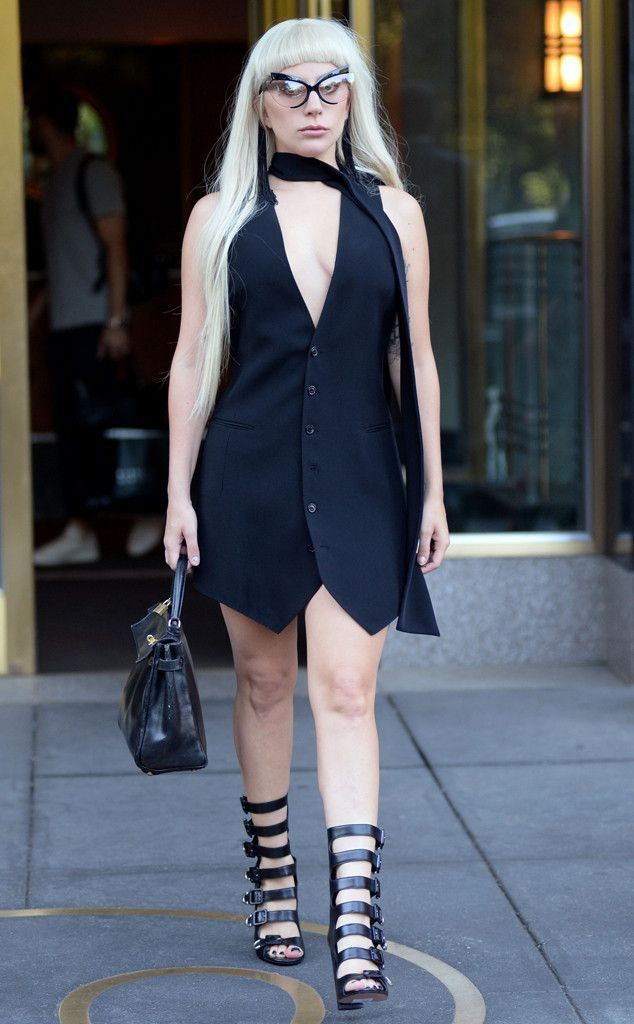 LADY GAGA Mother Monster looks as cool as can be while strolling around the Big Apple. #ladygaga #celebrity