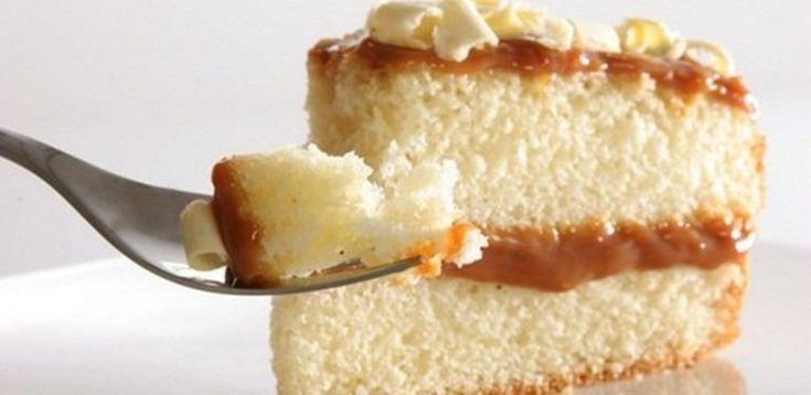Existen varias maneras de realizar el típicobizcochuelo de vainillaque resulta ser la base de todas las tortas. Acá te enseñamos una receta fácil y muy rica para que te salga perfecto.