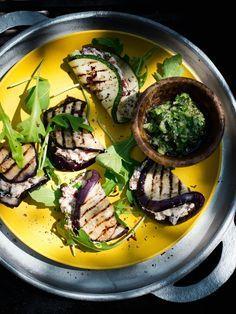 Gegrilde aubergine en courgette gevuld met ricotta