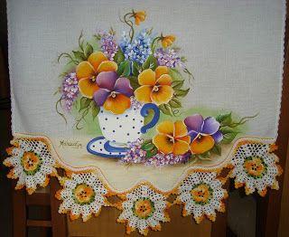 Amor Perfeito,pintura em tecido e croche - Artes em Crochê e Pintura