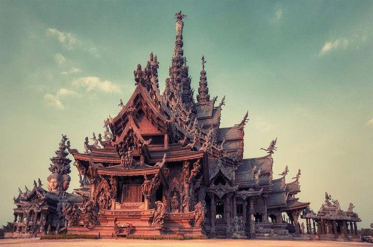 Храм истины, Таиланд  #travel #travelgidclub #путешествия #traveling #traveler #beautiful #instatravel #tourism #tourist #туризм #природа #Таиланд #Thailand #храм #истины #архитектура