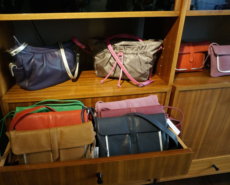 Handbag Shop Brontibay in Marais Paris France
