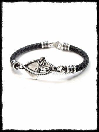 Ezüst lófej betétes karkötő fekete kaucsukkal vagy fonott bőrrel
